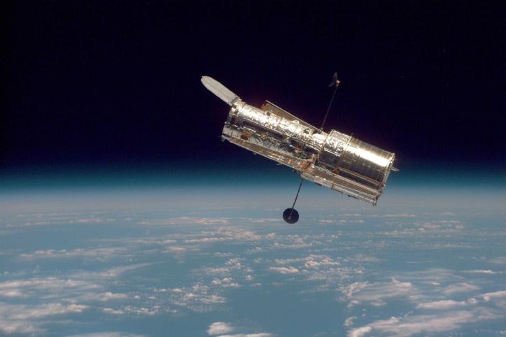 Hubble geimsjónaukinn workin' it...